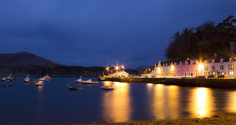 Skye apartments Portree Quayside Night View